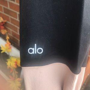 ALO Yoga Pants - Alo Yoga Goddess Leggings - Black/Blush - XS